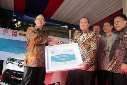 Handover Teaching Aid Donation for University of Indonesia