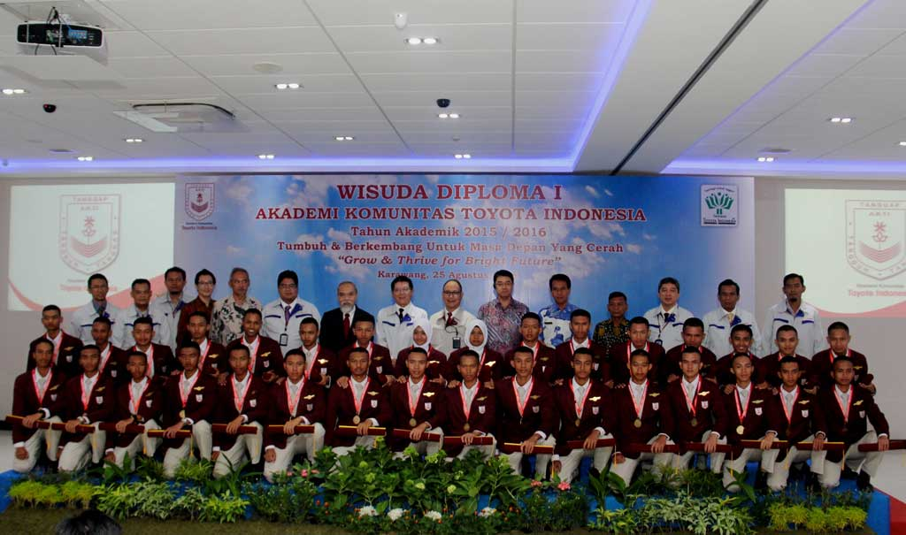 The first batch graduation ceremony of Toyota Indonesia Academy (TIA)