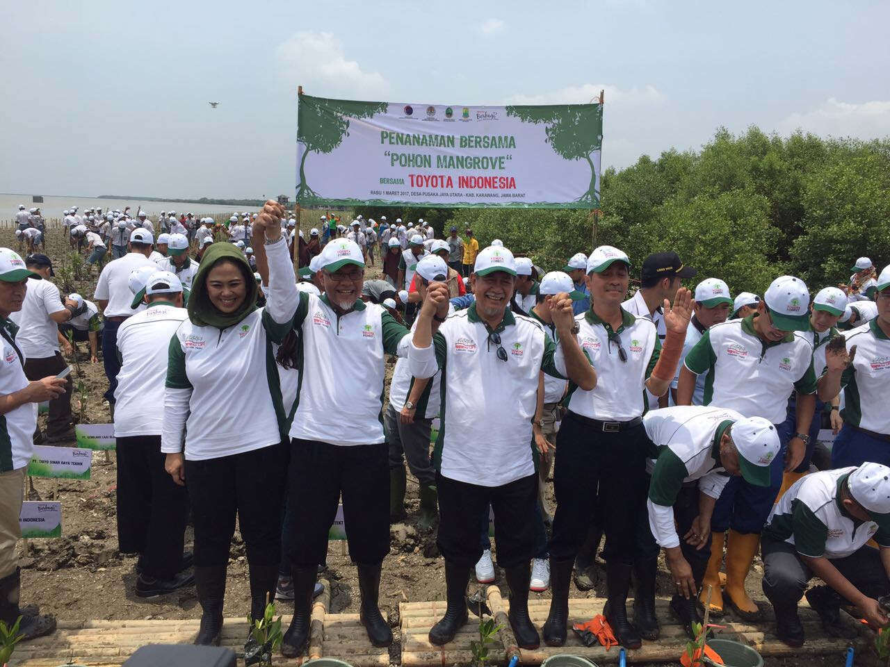 Mangrove Mass Planting Toyota Forest involves 1.000 students